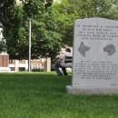 ein Denkmal für Kriegshunde! Sachen gibt´s