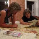 Kartenstudium mit Barbara