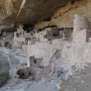 """Cliff Palace""- mehrstöckig unter einem Fels"