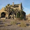 verlassener Bahnhof (und Casino) mit Joshua-Tree