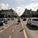 Zwischen den Spuren die Fahrradstraße!