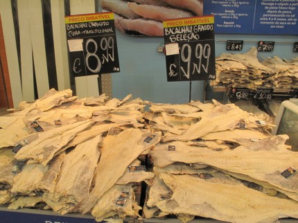 Stockfisch im Supermarkt
