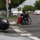 Alter Mann im Rollstuhl