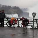Niagara Falls im Regen