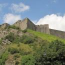 gigantische Festungsmauern